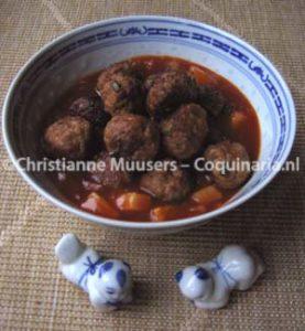 Chinese gehaktballetjes in tomatensaus