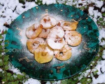 Appelbeignets in de sneeuw