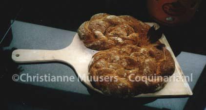 Het 'Romeinse' brood als gekrulde vlecht