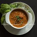 Soep met tomaat, geroosterde paprika en yoghurt
