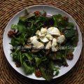 Salade met geitenkaas en honing