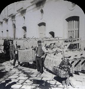 Napels, 1895 - Het drogen van 'macaroni' in de straat