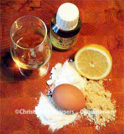 Ingrediënten voor het maken van marsepein