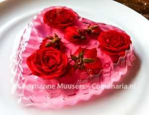 Jelly with roses for Valentine's Day
