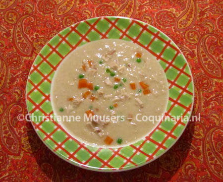 Dutch 'Queen's Soup' or cream of chicken soup