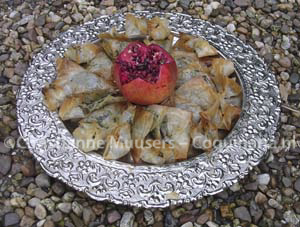 Arabische pasteitjes met spinazie- en auberginevullingen