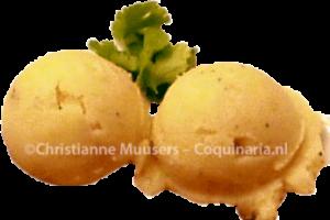 Aardappelpuree, opgeschept met een ijsbolletjestang