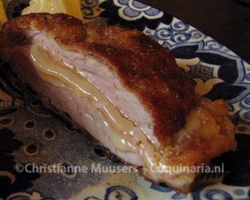 Cordon bleu van kalfsschnitzel, vulling kaas-ham-kaas