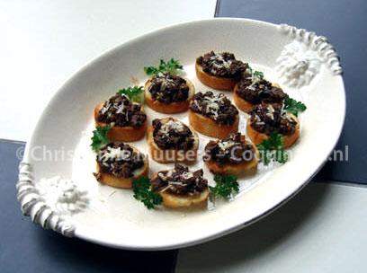 Crostini met kippenlevertjes