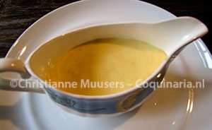Hollandaisesaus, een soort warme mayonaise