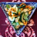 Komkommersalade met pinda's