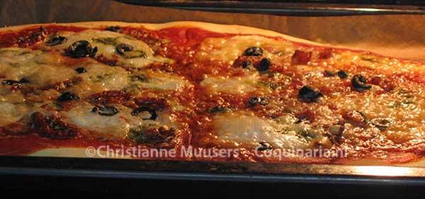 Pizza in de oven
